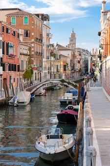 Vista do canal de veneza, itália.
