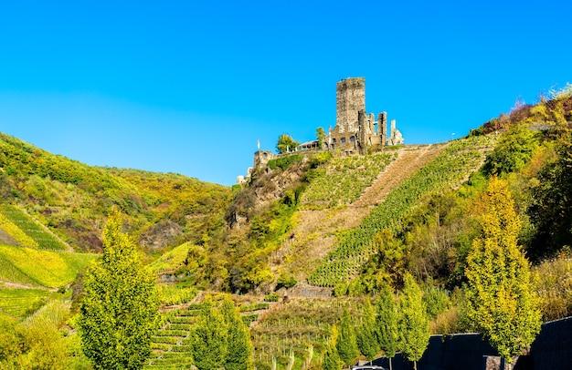 Vista do castelo de metternich em beilstein rhineland palatinate, alemanha