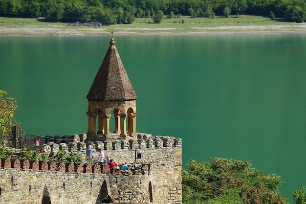 Vista do castelo medieval de ananuri