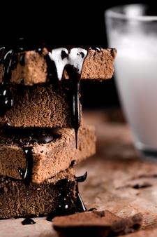 Vista do close-up de delicioso bolo de chocolate