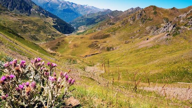 Vista do col du tourmalet nos pirenéus franceses