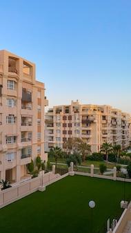 Vista do condomínio residencial em teatinos, málaga.