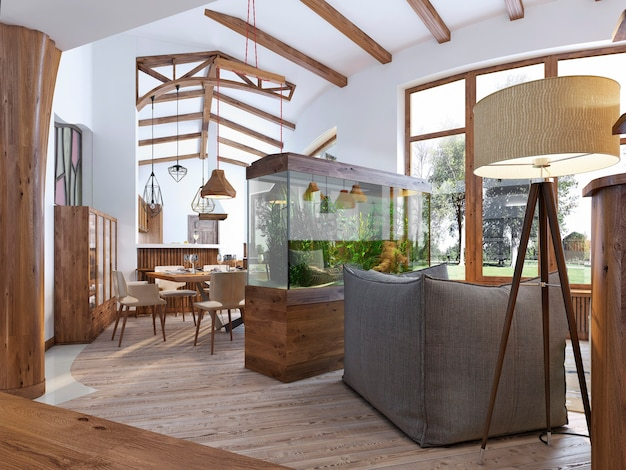 Vista do corredor para a sala de estar com um aquário em estilo loft e uma luminária de chão na sala de estar