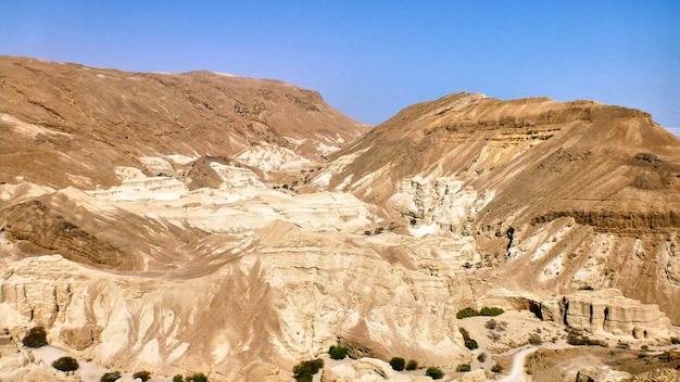Vista do desfiladeiro no deserto da judéia. israel