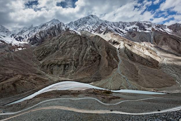 Vista do himalaia, índia