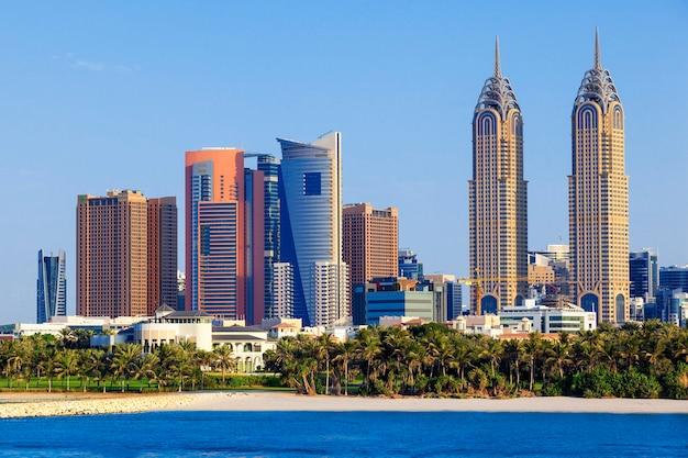 Vista do horizonte de dubai, emirados árabes unidos.