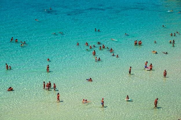 Vista do lugar mais famoso do mar de lampedusa, spiaggia dei conigli