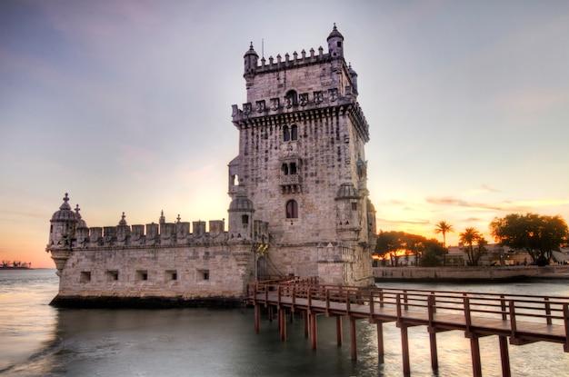 Vista do marco histórico, torre de belém, situada em lisboa, portugal.