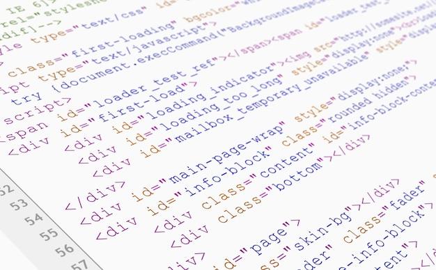 Vista do navegador de código html do site impressa em papel branco, vista closeup.