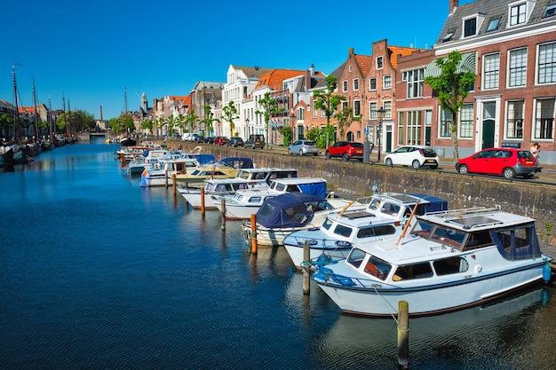 Vista do porto de delfshaven rotterdam holanda