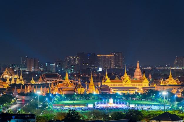 Vista do templo da esmeralda buddha em banguecoque, tailândia.