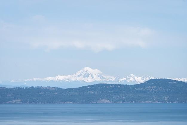 Vista do vulcão monte baker