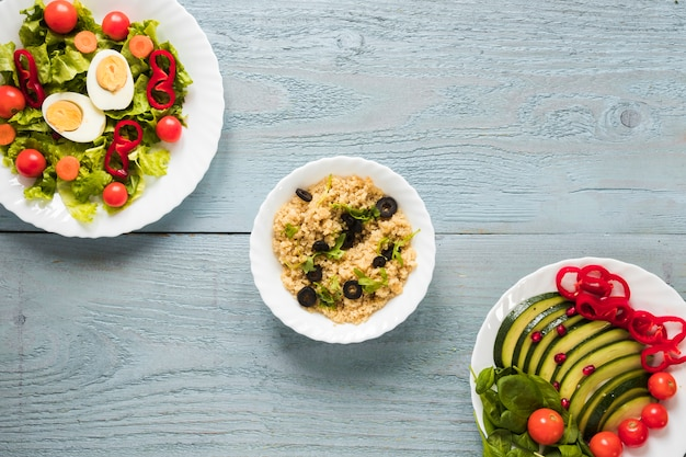 Vista elevada, de, diferente, tipos, de, alimento saudável, com, ovo fervido, e, legumes frescos