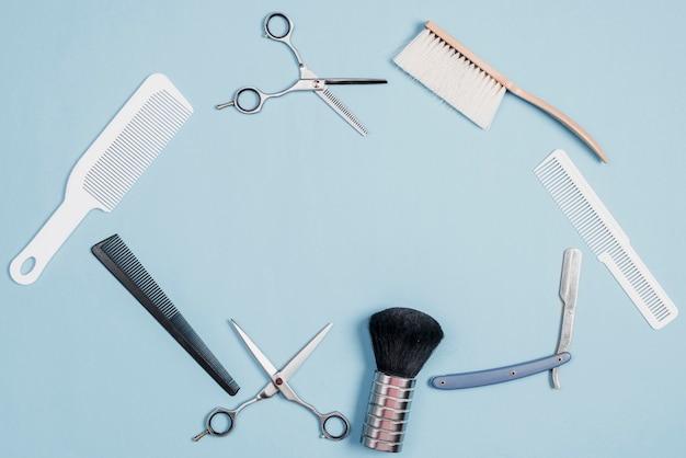 Vista elevada, de, vário, barbeiro, ferramentas, ligado, azul, fundo