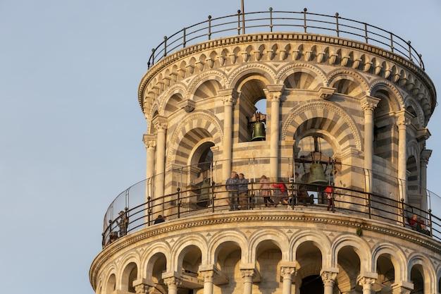 Vista externa da torre inclinada de pisa toscana itália
