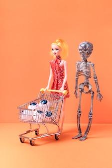 Vista frontal assustador brinquedos do dia das bruxas
