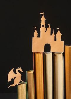 Vista frontal bela composição de diferentes livros Foto gratuita