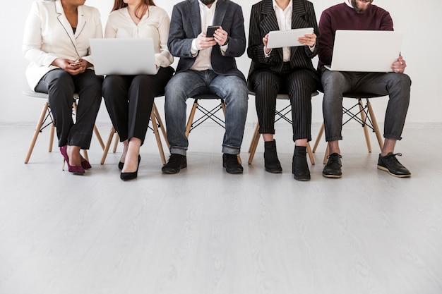 Vista frontal de pessoas de negócios