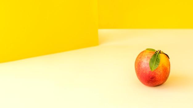 Vista frontal deliciosa fruta exótica