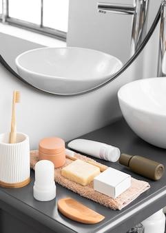 Vista frontal do conceito de cosméticos ecológicos