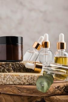 Vista frontal do conceito de cosméticos naturais