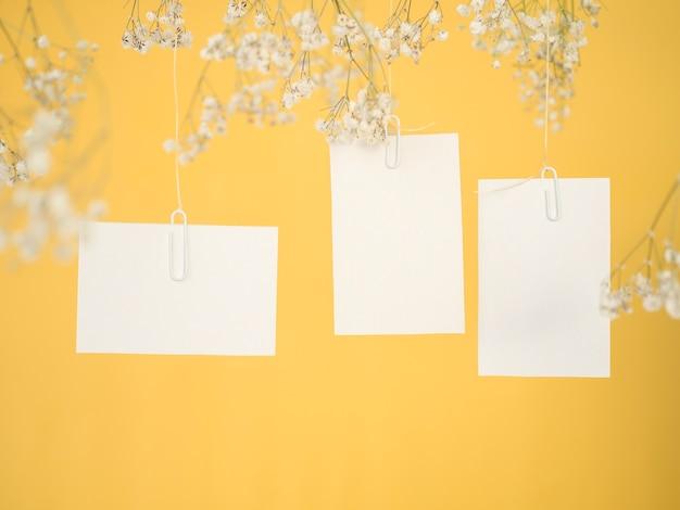 Vista frontal do pacote de convite de casamento