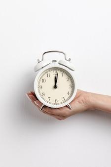 Vista frontal do relógio de mão