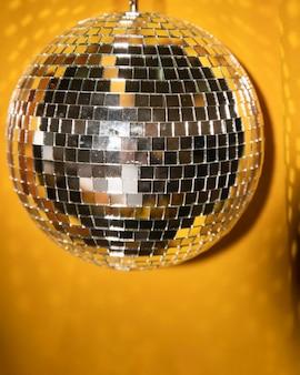 Vista frontal festa prata lâmpada para ano novo