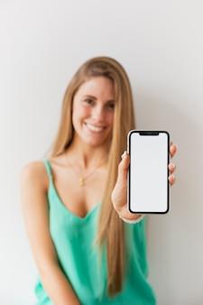 Vista frontal, mulheres, segurando telefone
