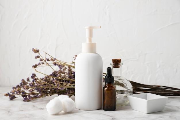 Vista frontal produtos cosméticos naturais do corpo