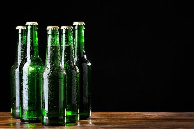 Vista frontal saborosa cerveja americana