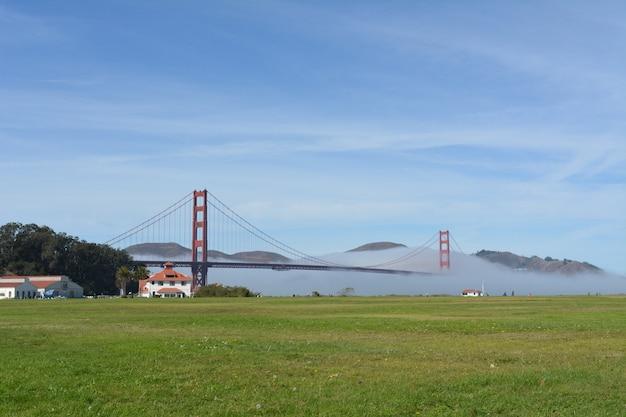 Vista golden gate em um dia ensolarado