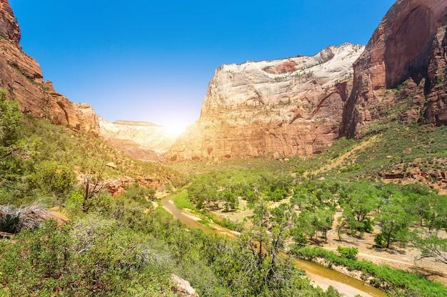 Vista incrível do cânion no parque nacional de zion