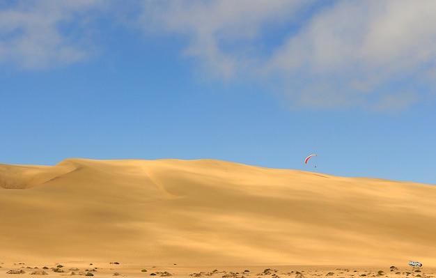 Vista incrível para a duna 7. namíbia, áfrica