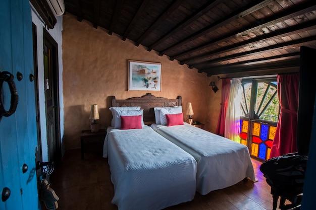 Vista interior, de, um, hotel, em, chefchaouen, cidade azul, marrocos