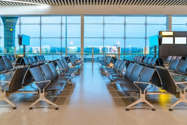 Vista interna do terminal do aeroporto