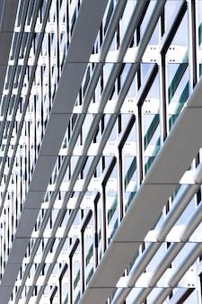 Vista lateral, predios, com, muitos, janelas