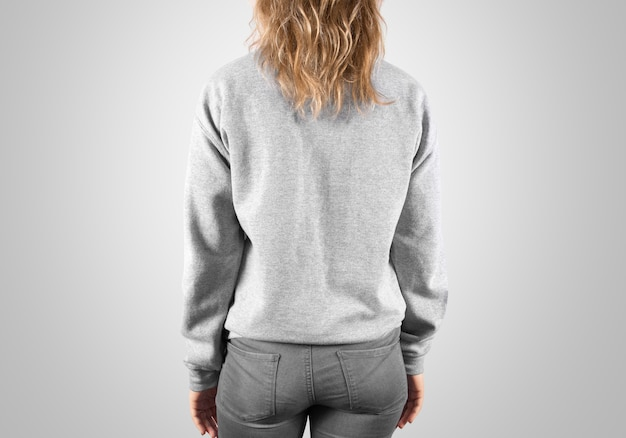 Vista lateral traseira da camisola em branco mock up