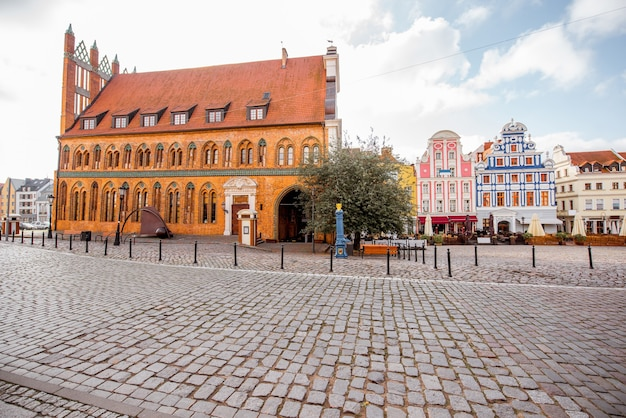 Vista matinal na antiga prefeitura da cidade de szczecin, na polônia