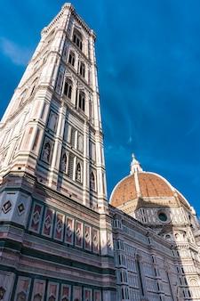 Vista na catedral de santa maria del fiore em florença, itália