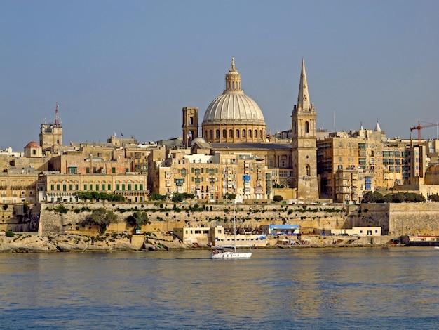 Vista na cidade antiga valletta, malta