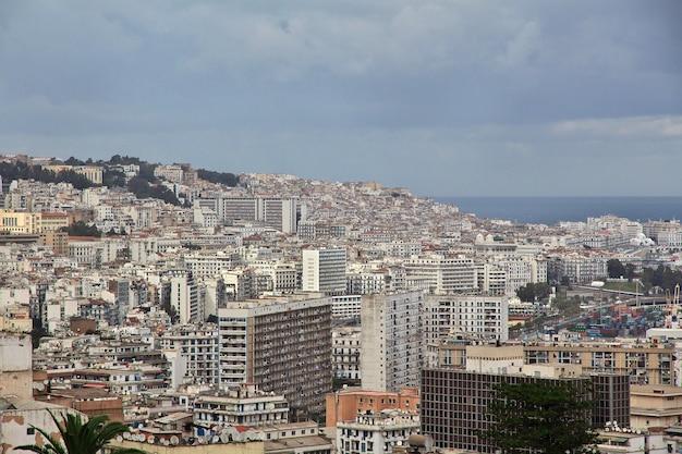 Vista na cidade da argélia, na áfrica, no mar mediterrâneo
