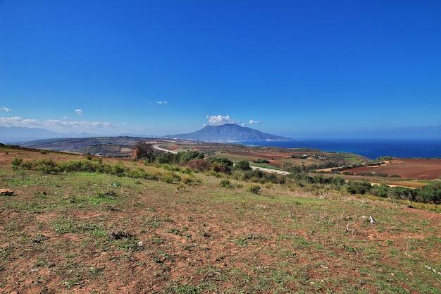 Vista na costa do mediterrâneo na argélia, áfrica