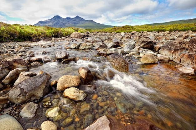 Vista no cume preto cuillin, ilha de skye, escócia
