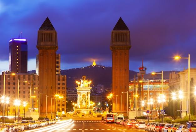 Vista noturna de barcelona