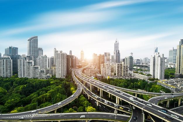 Vista panoramic, de, cidade, elevado, viaduto, em, shanghai