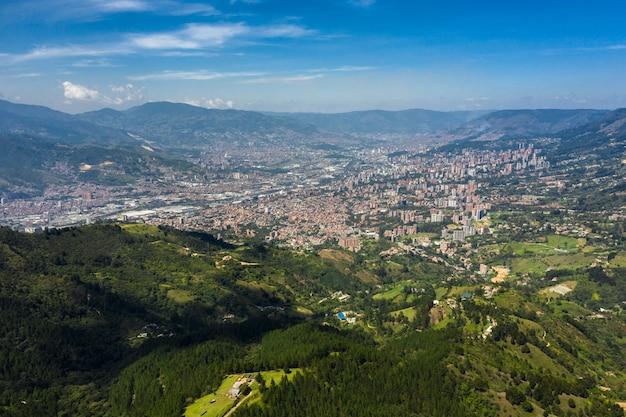 Vista panorâmica aérea da cidade de medellin, antioquia, colômbia