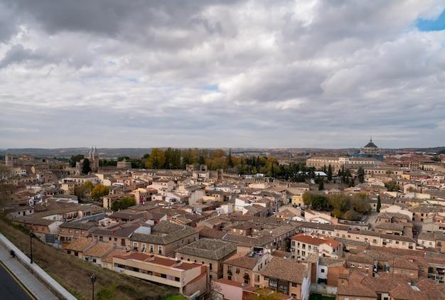 Vista panorâmica da cidade de toledo, na espanha.