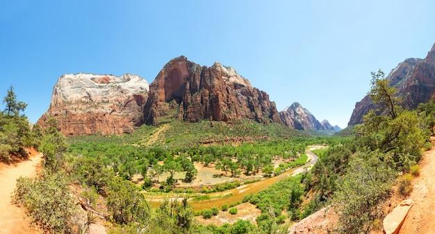 Vista panorâmica da natureza virgem do parque nacional de zion
