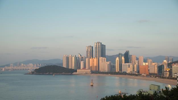 Vista panorâmica da praia de haeundae. a praia de haeundae é a praia mais popular de busan na coréia do sul.